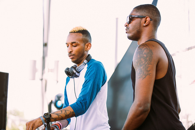The Saunderson Brothers on the Thump Stage (Nick Kassab | Detroit Music Magazine)